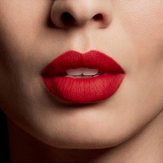 Le Rouge Parfum Liquid Ultra Matte - Prohibited Rouge
